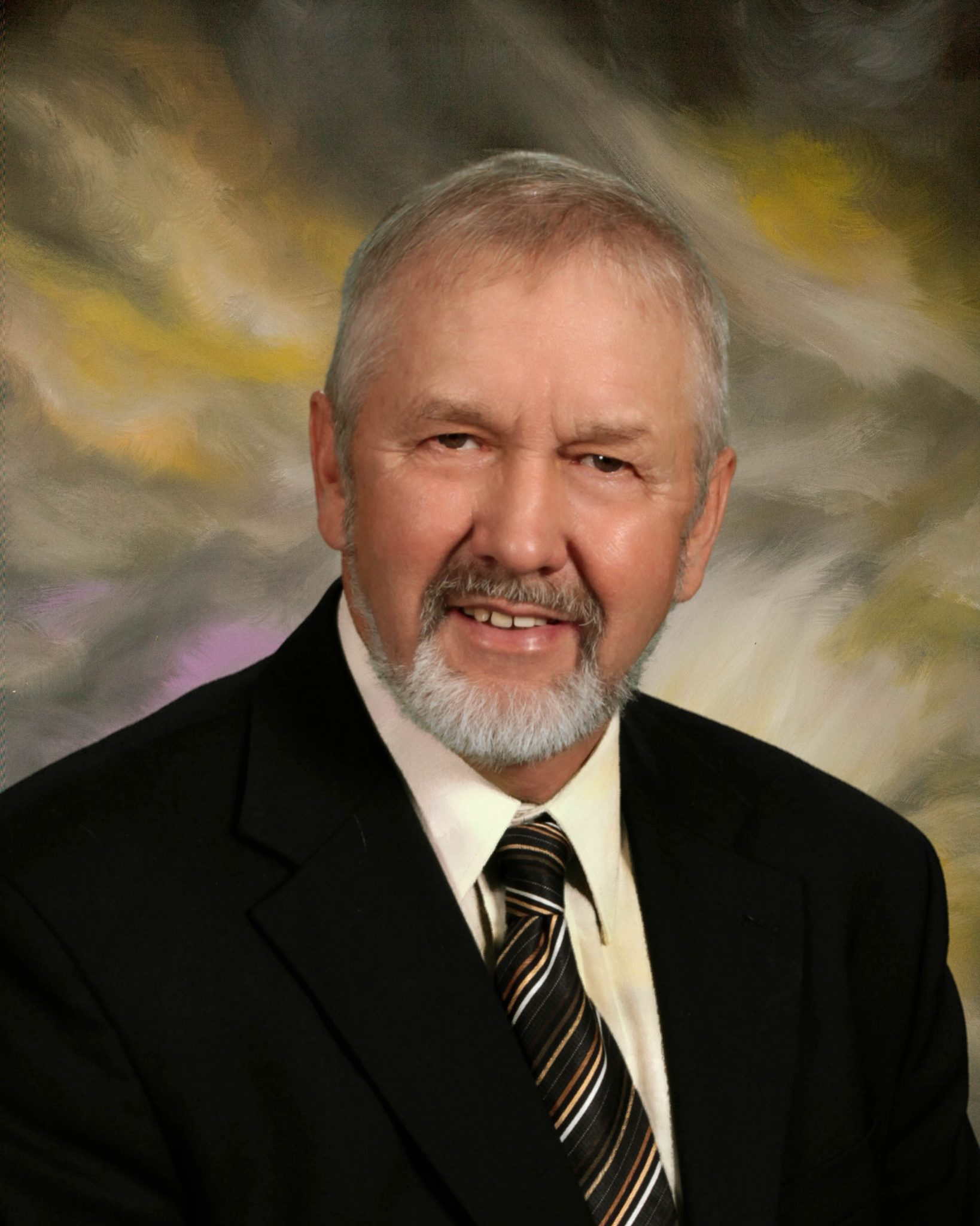 professional photo of Robert Tuomi